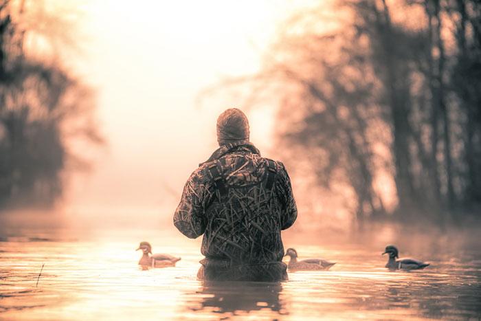 Texas hunter looking for ducks